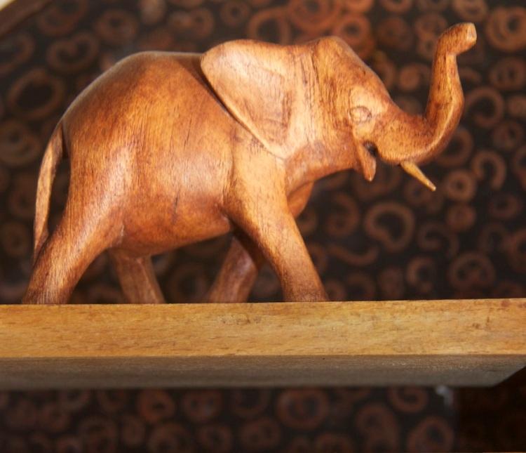 Wooden elephant2 IMG_6675_2